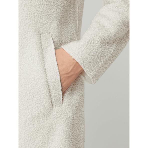 Mantel aus Bouclé